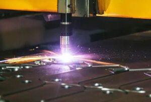 fiber-laser-cutting-vs-plasma-cutting